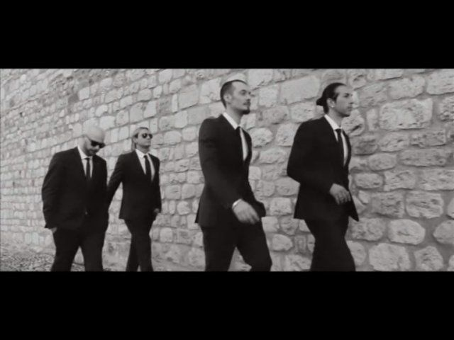 Mtv ema 2014 glasgow - Per farti sorridere gemelli diversi ...